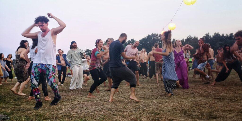 blue-monkey-birthday-fest-2020-dancing