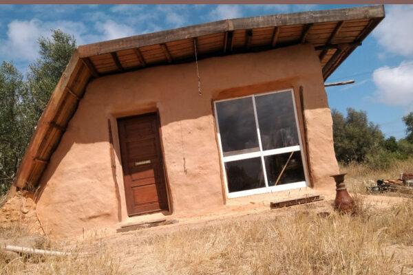 Blue Monkey Autumn retreat Portugal Tiny House